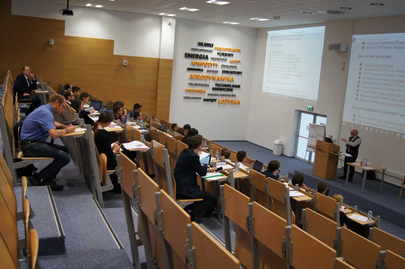 EREA Young Event 2016: preparing young researchers to tackle the challenges in Aeronautics research